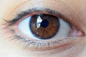Pasca LASIK Mata Terasa Kering, Normalkah?