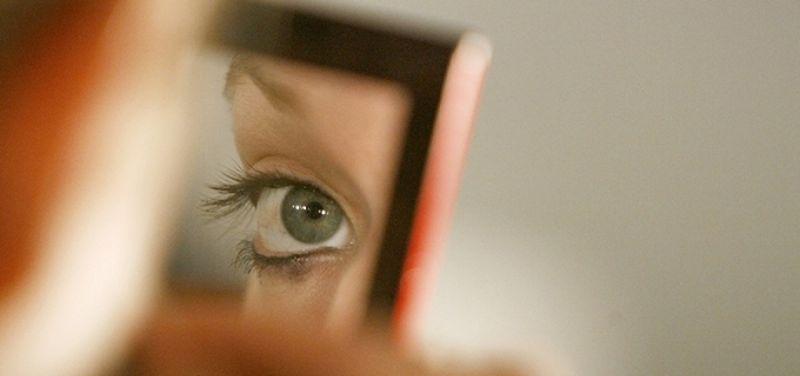 Beli Obat Penyembuh Mata Minus di Online Shop, Amankah Menurut SILC Lasik Center ?